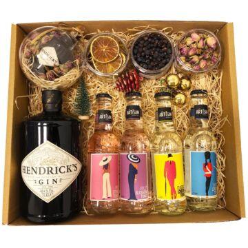 Delux Hendricks Gin Tonik Szett Ginfűszerrel és Hendricks perzsa rózsás gömbbel