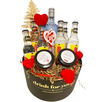 Nőnapi dekorral Citadelle gin tonik szett kerek díszdobozban
