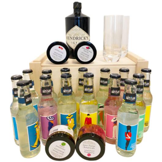 Hendricks Piknik Gin Tonik Láda tonikokkal és ginfűszerrel gin tonik pohárral